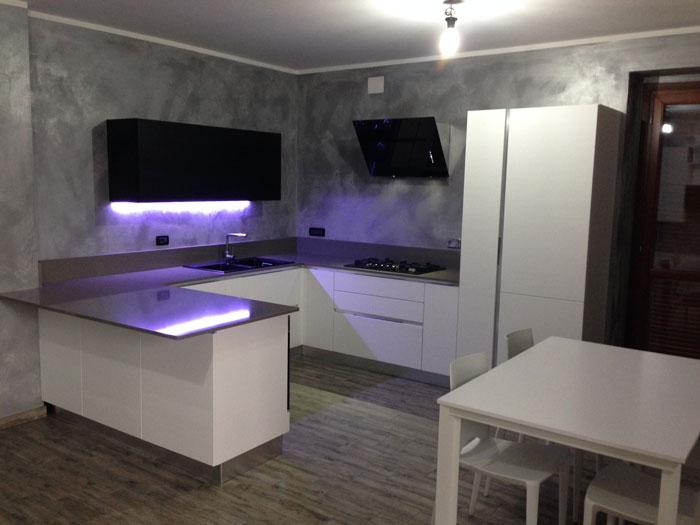 Arrex anice una cucina moderna con bancone penisola - Colori per cucina moderna ...